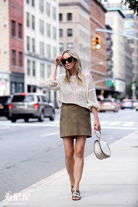 """夏季穿""""土色"""",这样穿搭比较时尚"""
