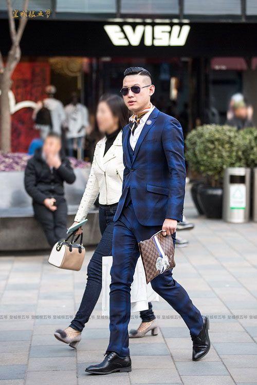 早春与时尚邂逅的北京街头 潮男们的新风尚屋顶秧田工装